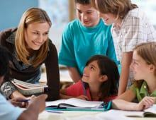 Có nên đi học Tiếng Anh ở Trung tâm hay tự học ở nhà ?